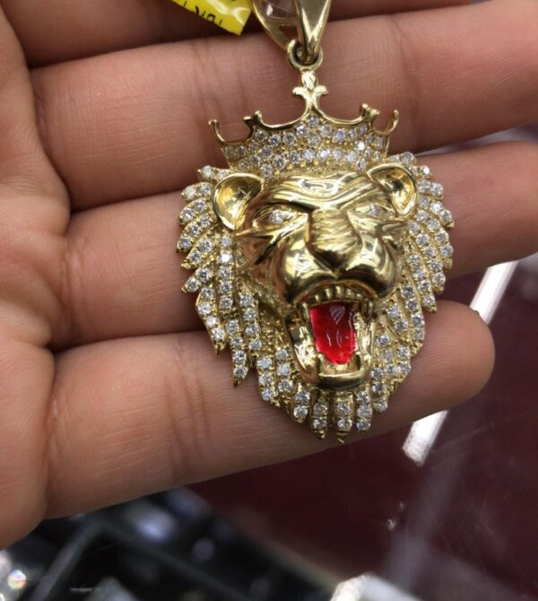 10K GOLD DIAMOND LION HEAD PENDANT  with 1.15 carats